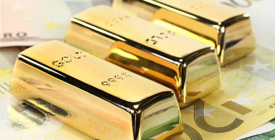 Goldbarren und EURO Geldscheine